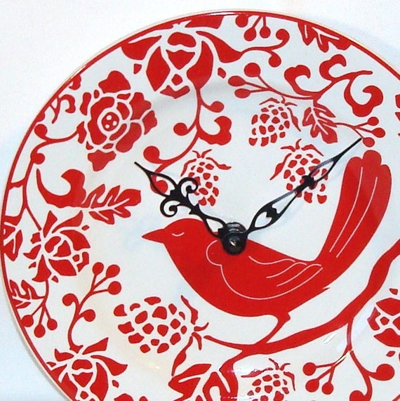 Red Flora and Fowl Plate Wall Clock No. 698 (8-1/4 inches)