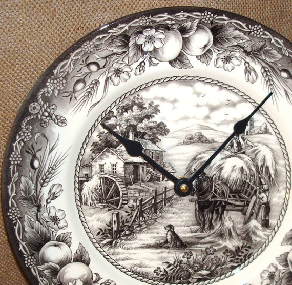 Black and Ivory Toile Porcelain Plate Wall Clock No. 721 (11 inches)