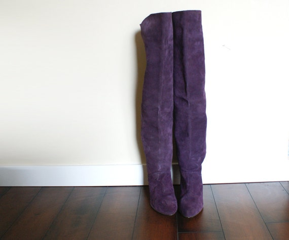 size 8.5 women's vintage purple suede otk pirate boots. made in spain.