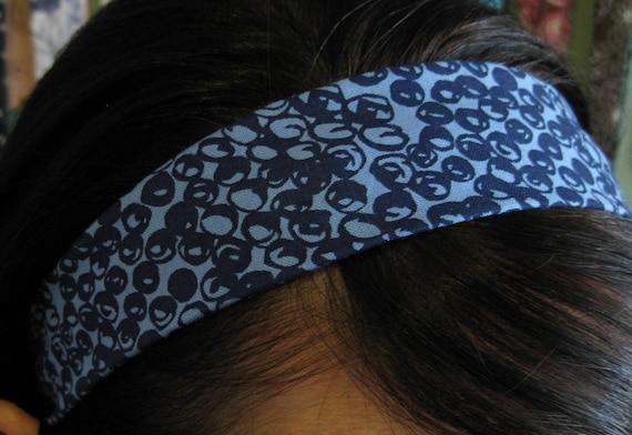 Blue Messy Circles on a Light Blue Stay Put Headband