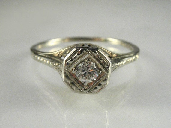Gorgeous Antique Diamond and 20K White Gold Engagement Ring