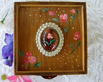 TRINKET / JEWELRY BOX * Hand Painted And Decorated