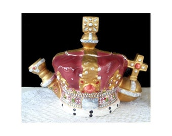 LEONARDO CERAMIC TEAPOT * Imperial Kings Crown Design * Vintage Tea Decor