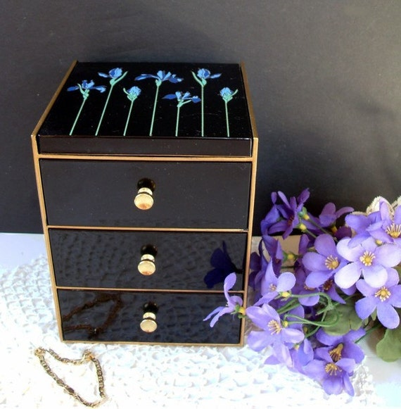 Otagiri Jewelry Or Trinket Lacquerware Box With Iris Flower