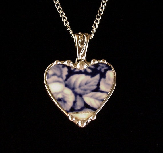 broken china jewelry pendant necklace antique flow blue