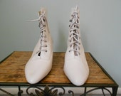 Vintage 1980s White Leather Lace Up Granny Boots, Size 8 1/2 M