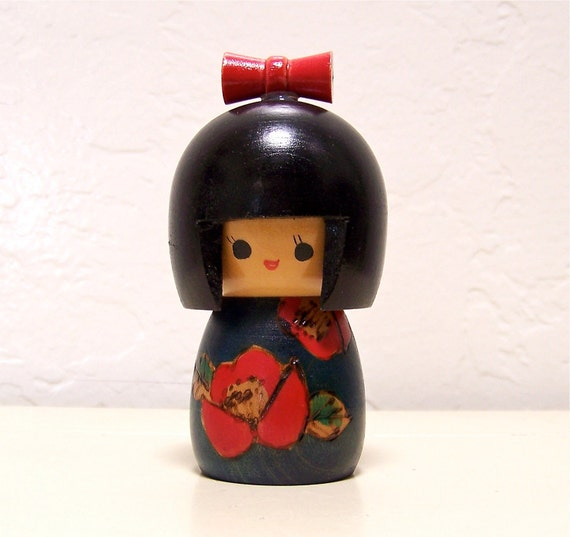 vintage Japanese wood kokeshi doll - no. 2