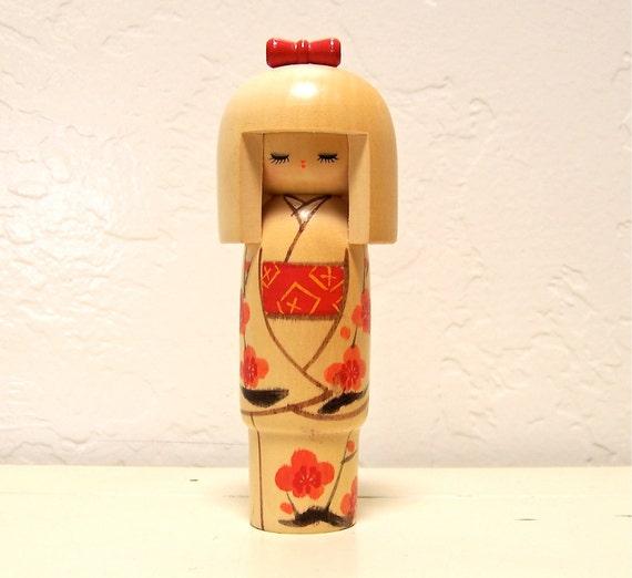 vintage Japanese wood kokeshi doll - no. 10