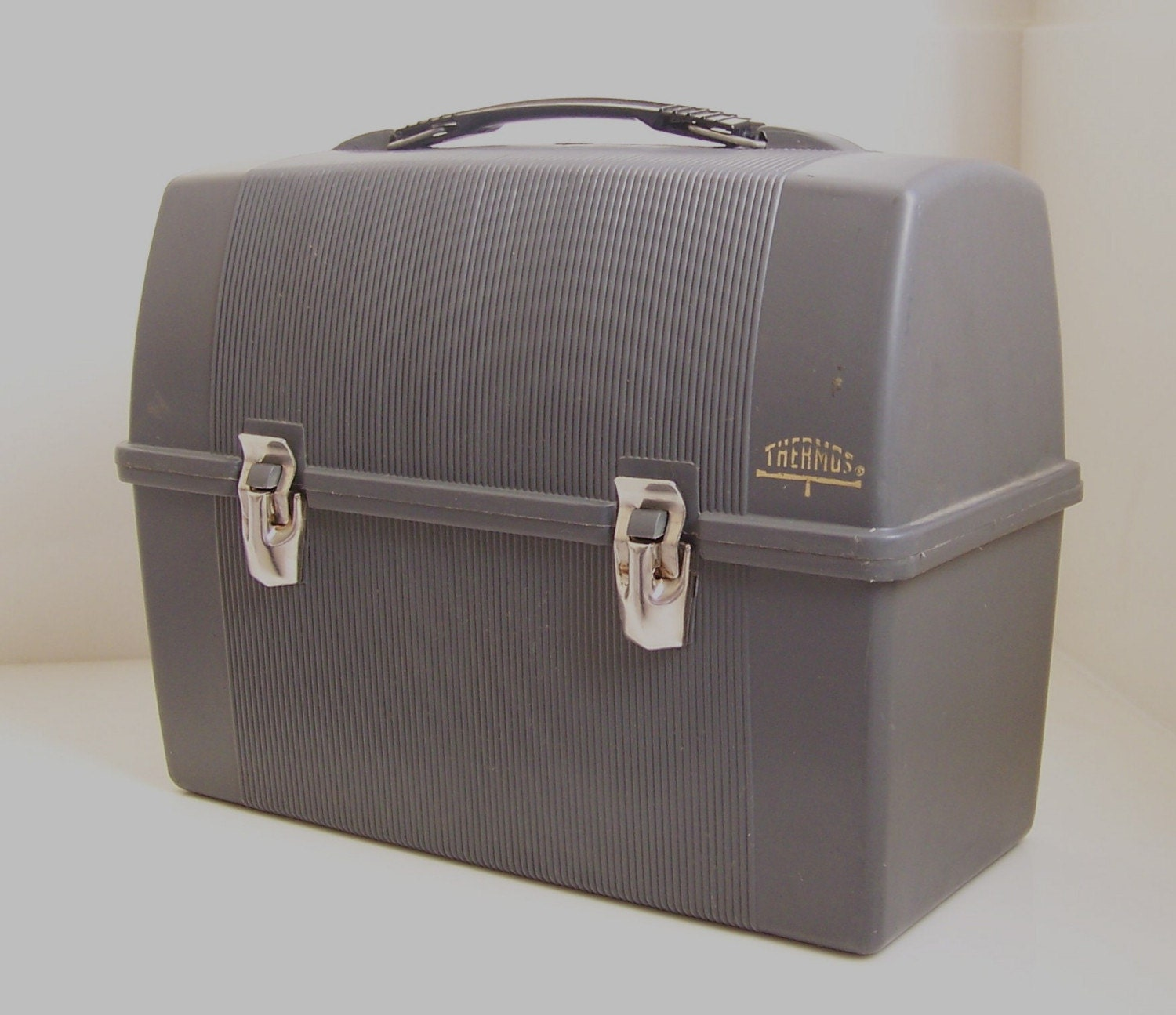 vintage gray plastic thermos lunch box. Black Bedroom Furniture Sets. Home Design Ideas