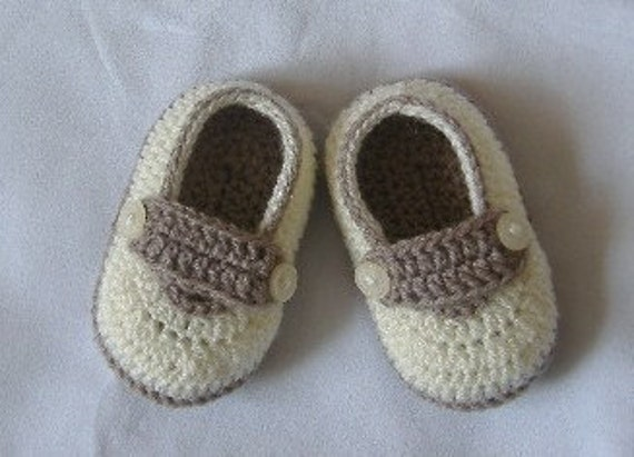 Crochet Baby Shoes for 3 to 6 months old/4 inch/10 cm/ivory and chestnut