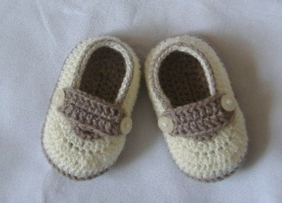 Crochet Baby Shoes for 3 to 6 months old 4 inch 10 cm ivory