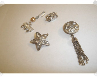 Vintage Costume Jewelry/Button Covers/Clasps/ Silvertone*
