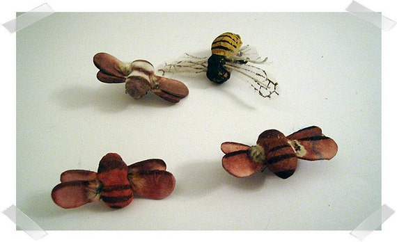 Bee Embellishments/4 pieces/Faux/FREE SHIPPING