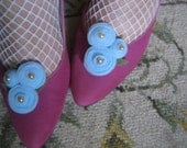 Pair of Felt Rosette Trio Shoeclips with Leaves - baby blue