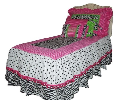 Nichelle Collection, Zebra and Hot Pink, Queen size