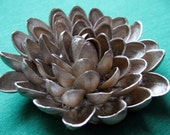 Pistachio Shell Flower Brooch --- Champagne