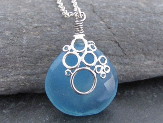 Blue Chalcedony necklace in white gold (N100)