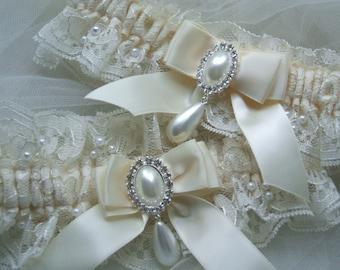 Ivory Wedding Garter,Wedding Garter Set, Ivory Lace Garter Set,Heirloom Garter