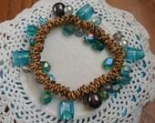 Vintage Gold Aqua Turquoise Glass Beaded Stretch Bracelet