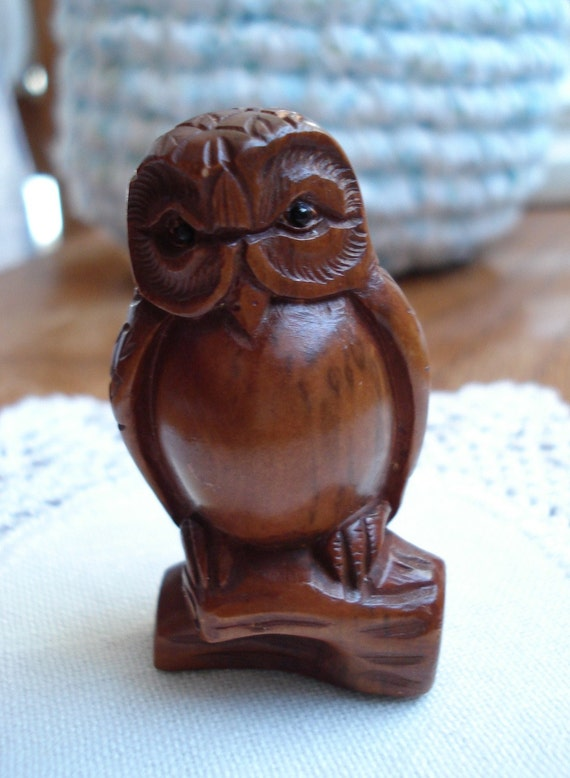 Carved boxwood netsuke bead woodland owl medicine pocket totem