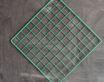 Vintage 80s Green Painted Metal Grid for Display or Decoration Sale