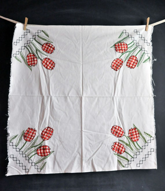Vintage Applique Tulip Card Table Cloth Cover  Red Checks Country Fabric