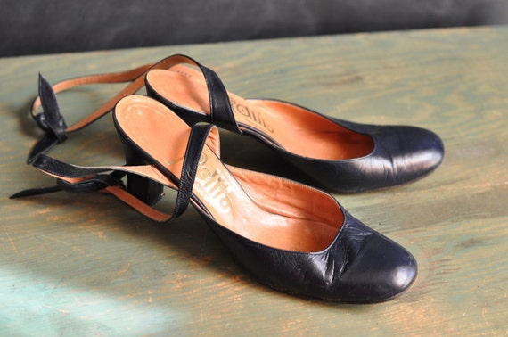 Vintage Leather Shoes Blue Heels made in Spain