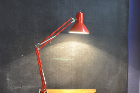 Vintage Modern Swing Arm Drafting Lamp Task Light Work area Lighting in Bright Red