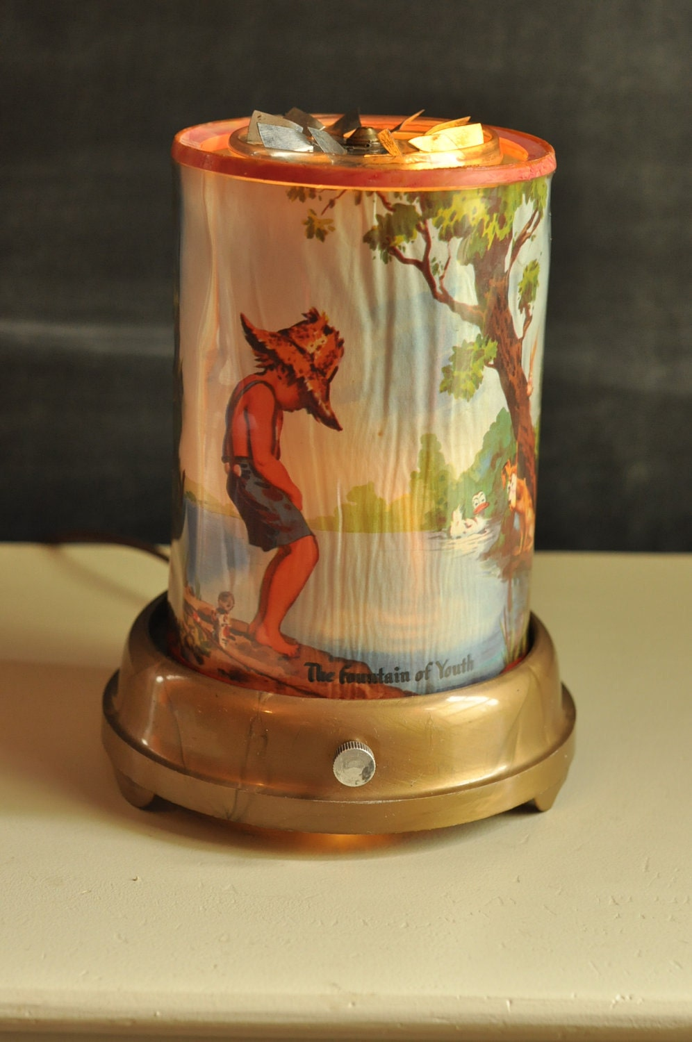 Vintage Motion Lamp Rotating Fountain of Youth Revolving Lamp