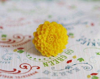Yellow chrysanthemum flower ring