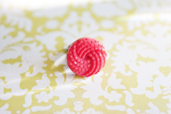 Coral/Pink Vintage Button Ring