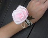 Wrist Corsage / The Covenant (Pink)