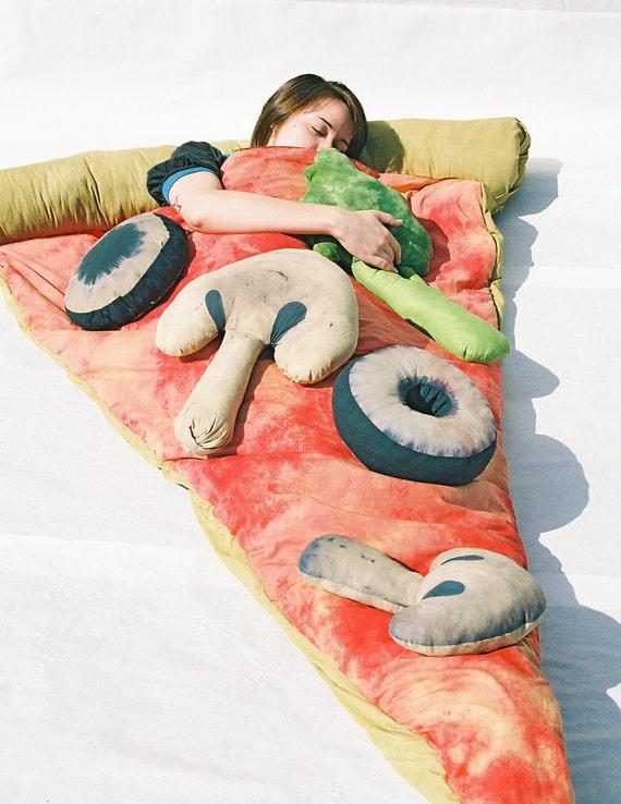 einfache scheibe der pizza schlafsack von bfiberandcraft auf etsy. Black Bedroom Furniture Sets. Home Design Ideas