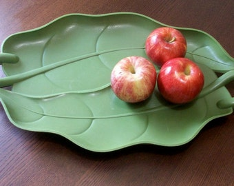 Vintage Green Leaf Plastic Platter Party Serving Tray with Handles