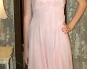 CLEARANCE- Adorable VINTAGE 1960s pink Slip