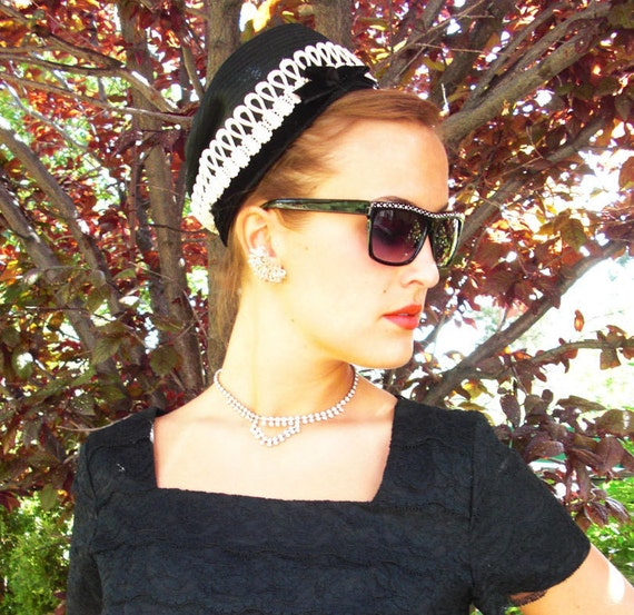 Lovely Vintage Black Womens Hat with a Off White Lace Trim Finished with Black Velvet Edge