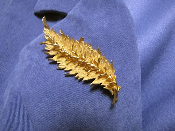 Vintage Hattie Carnegie Gold Tone Leaf Design Brooch/Pin