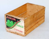 Vintage Pears Chile fruit Crate