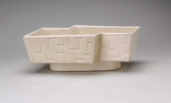 vintage upco white deco planter usa pottery by msmichiganroux. Black Bedroom Furniture Sets. Home Design Ideas