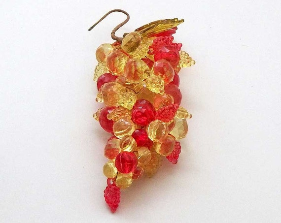 Vintage kitsch Grapes Lucite oranges and yellow