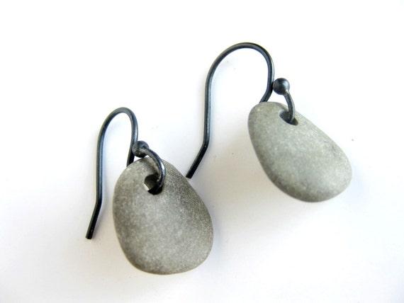 Sterling silver rock earrings - Zen stone jewelry - Grey Pebble Earrings - 319