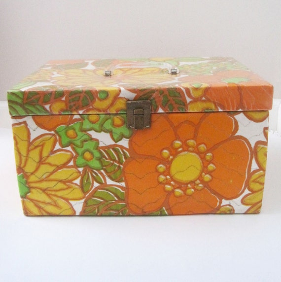 Vintage Retro Quilted Vinyl Sewing Case