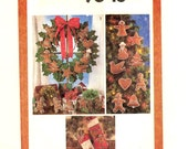 Vintage Gingerbread Christmas Craft Uncut Transfer Pattern Simplicity 9648 Felt Decorations Ornament Stocking Wreath