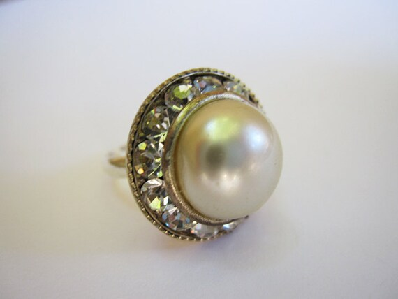 antique Pearl Sparkle 1950s  rhinestone  vintage button ring