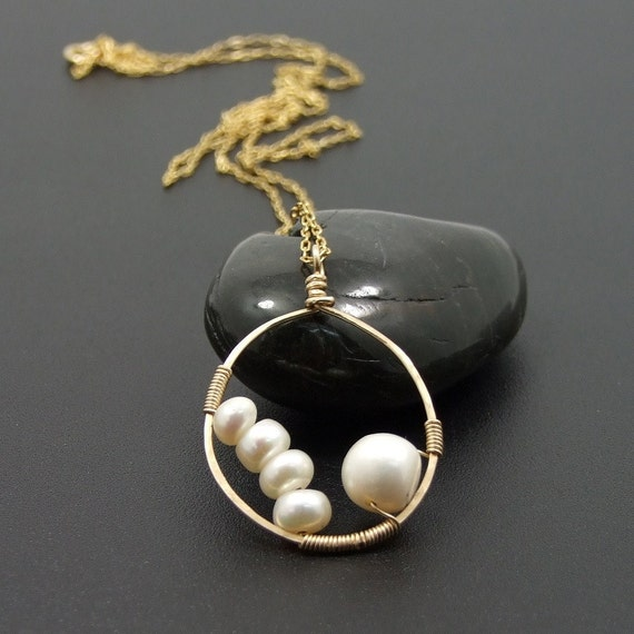 SALE - Shop kick off  - Pearls in an oval Goldfilled pendent