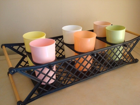 Vintage Teeter Tray, six tumblers in clever carrier