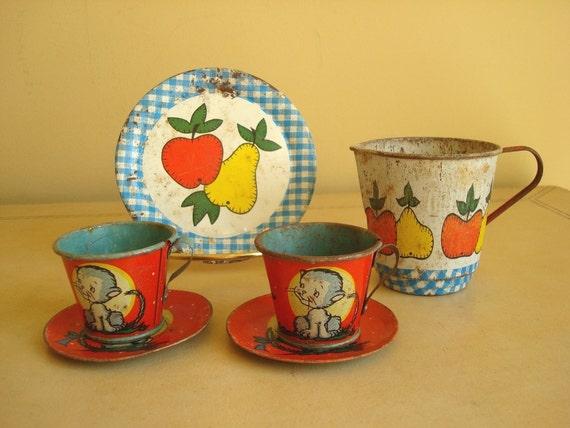 Ohio Art tin tea set, Little Kitten & Apples Pears, 6 vintage litho toys