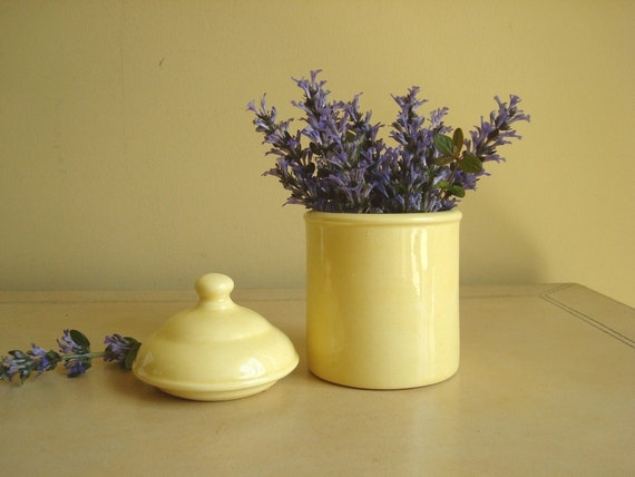 Vintage ceramic apothecary jar, butter yellow