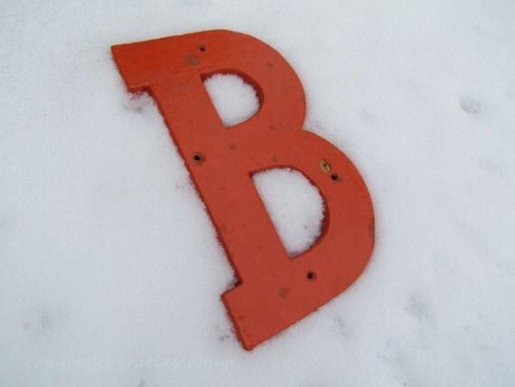 "L36 Vintage Shabby 8"" Letter B - Orange"