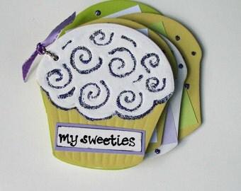 Mini Cupcake Chipboard Scrapbook